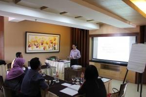 Workshop Graphology Recruitment - Bandung 7-8 Des 2013 (3)