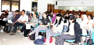 Seminar Grafologi sebagai Asesmen Kepribadian di BPIP Unpad (28 Nov 12) (3)e